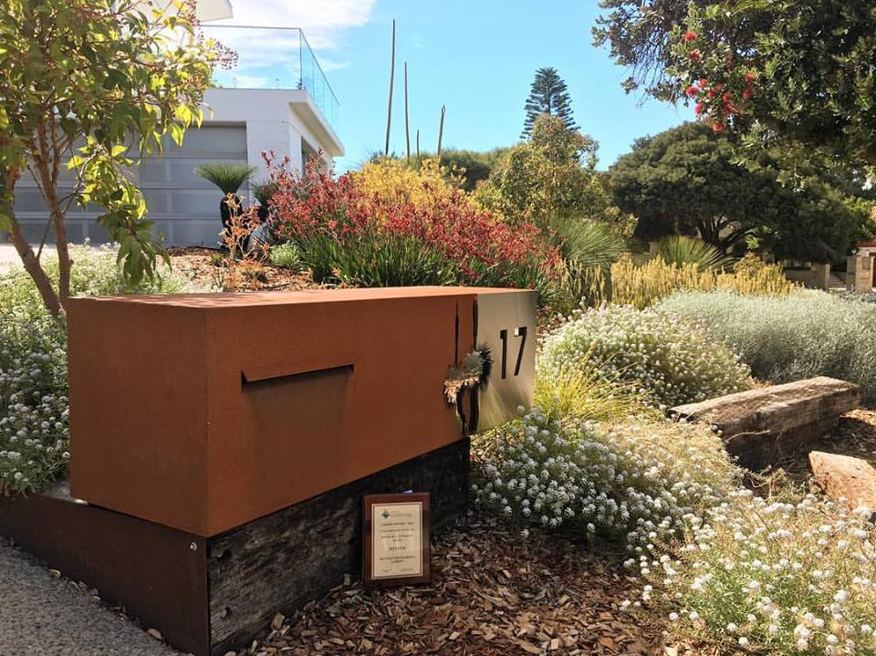 Perth landscaping construction specialist landscapers wa for Front garden designs perth